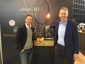 Roel Goudsmits (Brand Manager Balmoral) and Hans Rijfkogel (AMS)